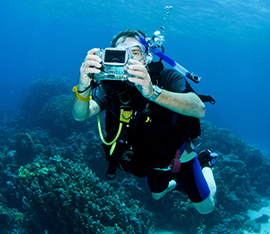 underwater-photo-and-video-camera